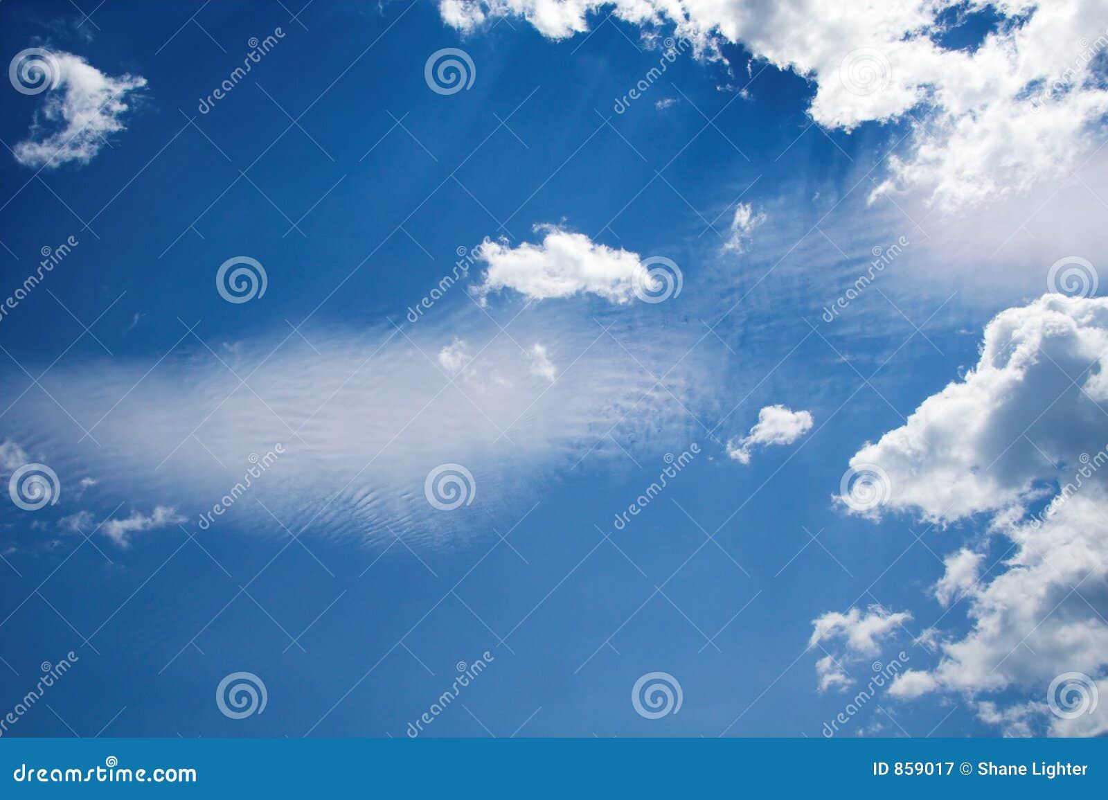 σύννεφα wispy
