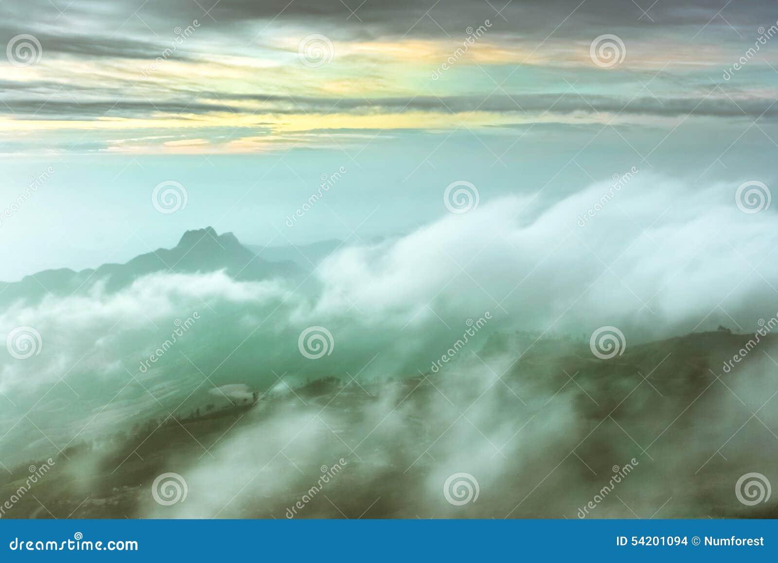 Σύννεφο στο βουνό