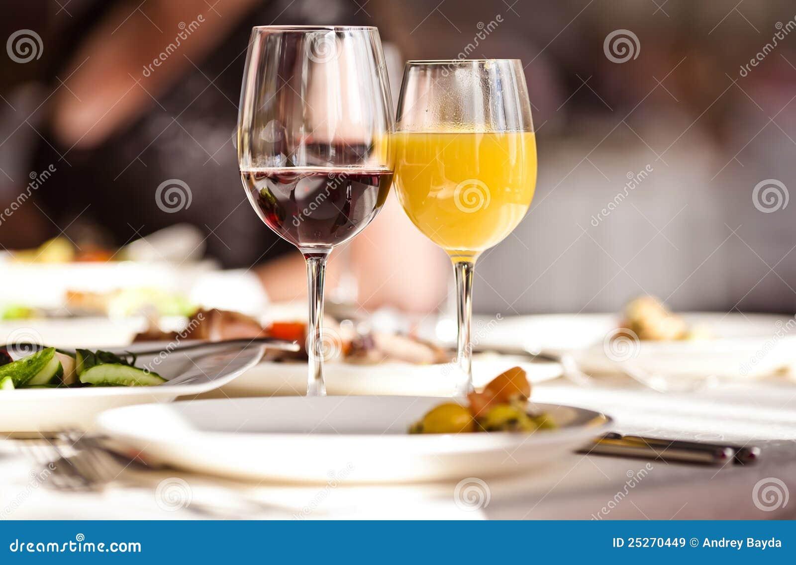σύνολο εστιατορίων γυαλιών ποτών