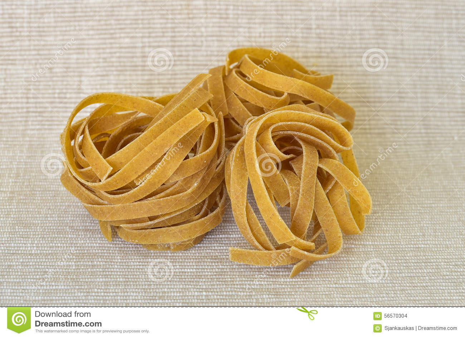 Download σύνολο ζυμαρικών σιταρι&omic Στοκ Εικόνες - εικόνα από υδατάνθρακας, μαγείρεμα: 56570304