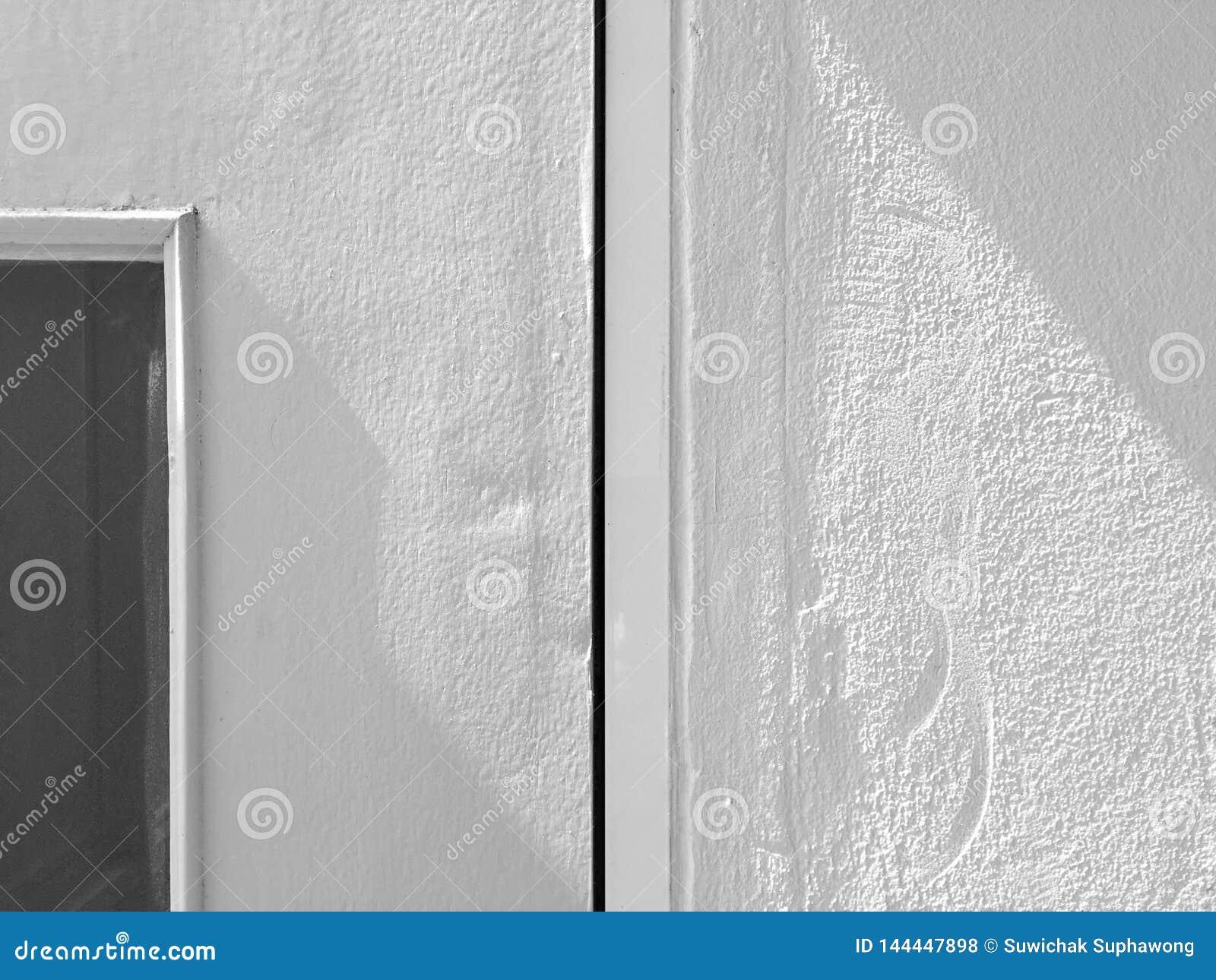 Σύσταση του τοίχου σε γκρίζο