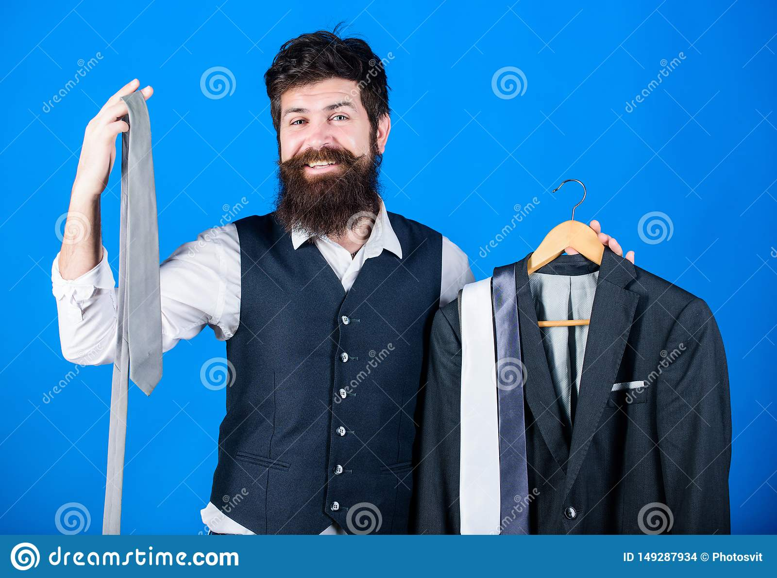 Τέλεια γραβάτα E ( Δυσκολία που επιλέγει τη γραβάτα Βοηθητικός ή προσωπικός στιλίστας καταστημάτων