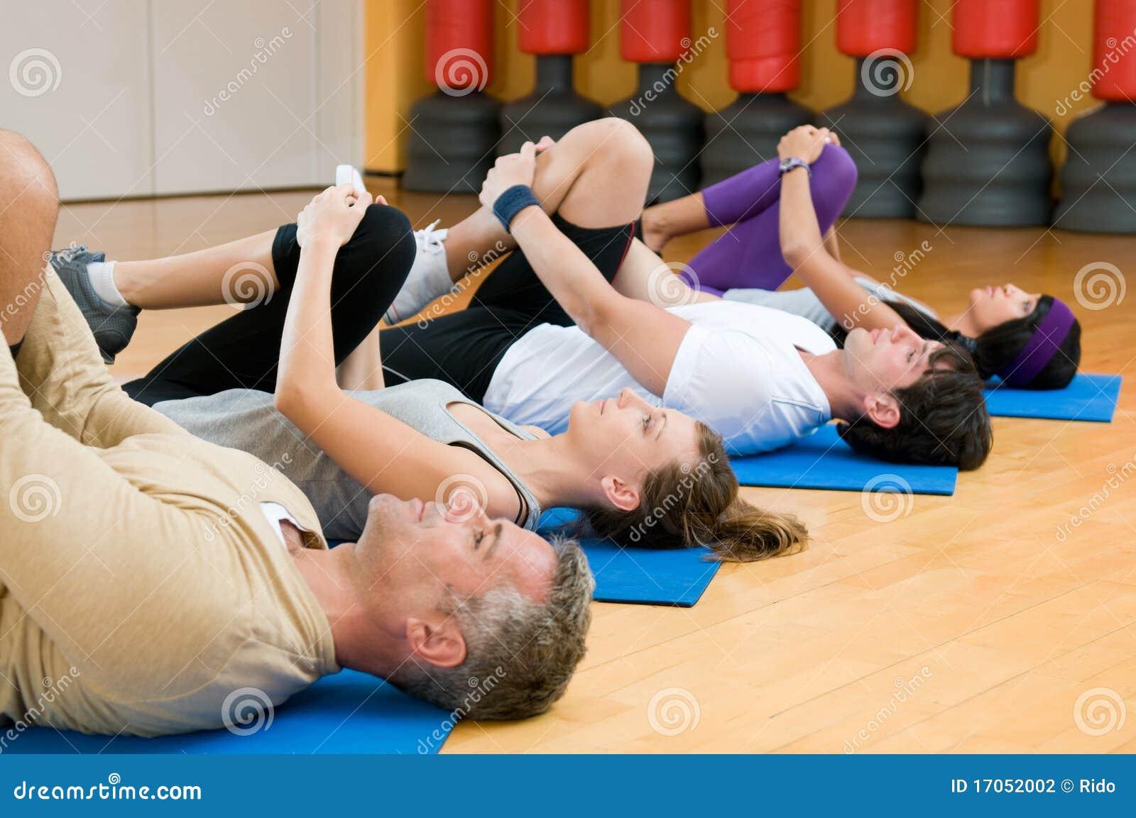 τέντωμα γυμναστικής ασκήσ&