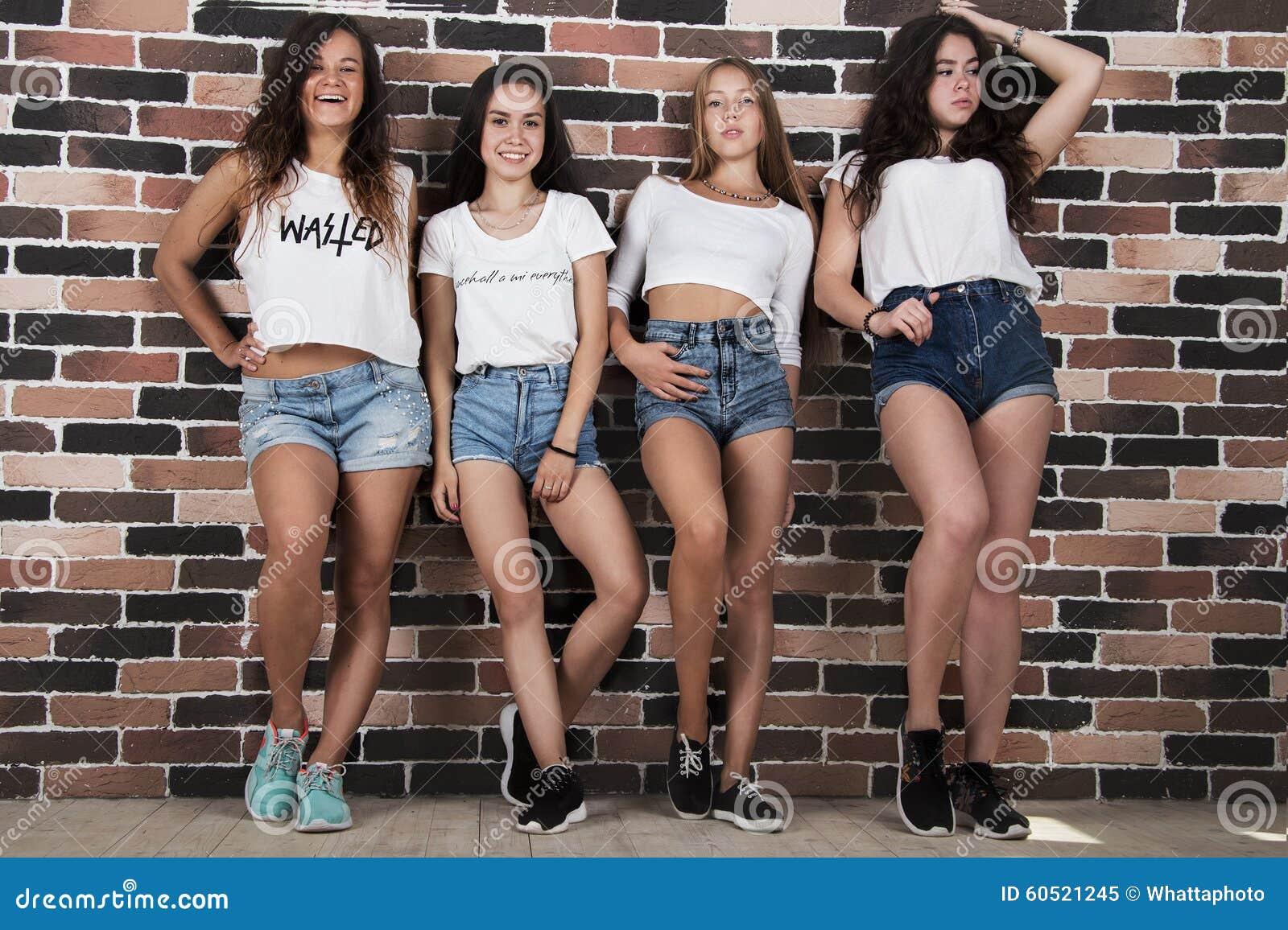 Teen babes σεξ φωτογραφίες