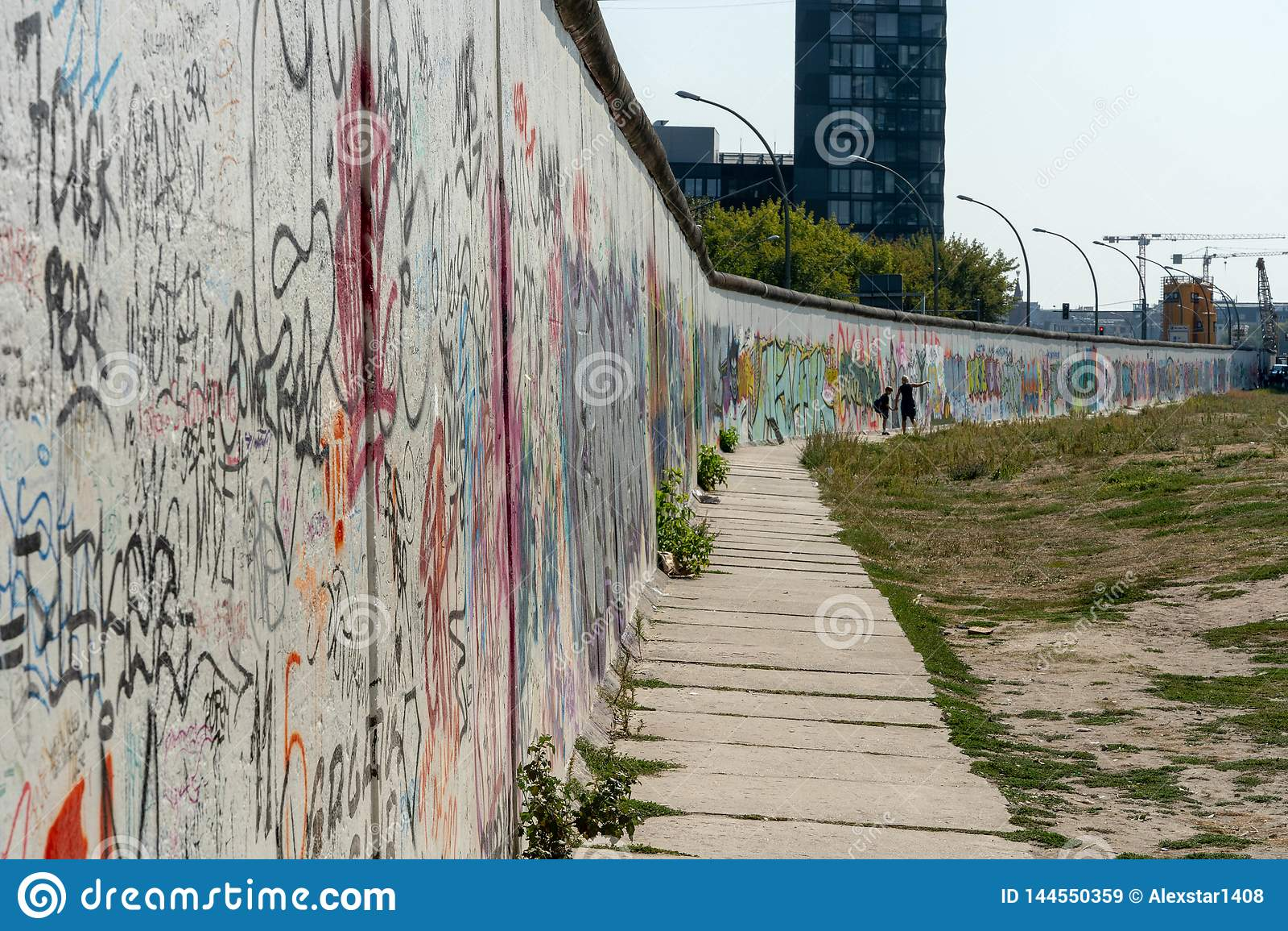 Τέχνη του Βερολίνου Γουώλ Στρητ στον τοίχο