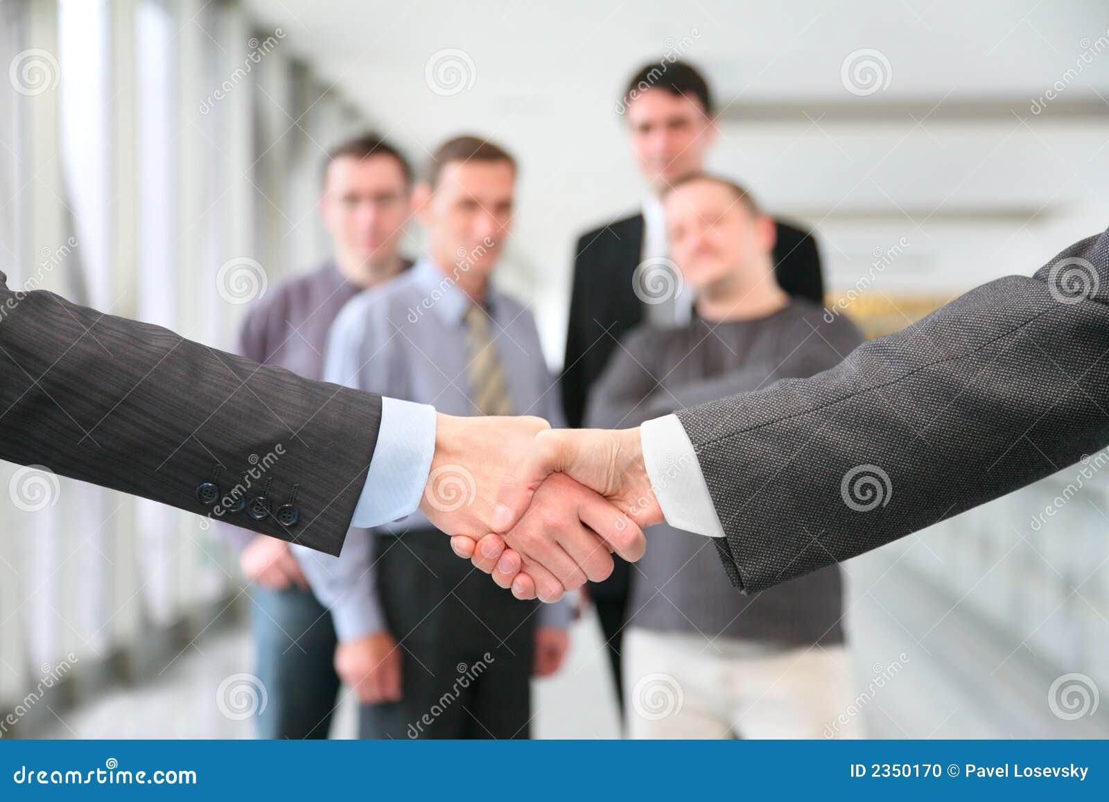 τίναγμα χεριών