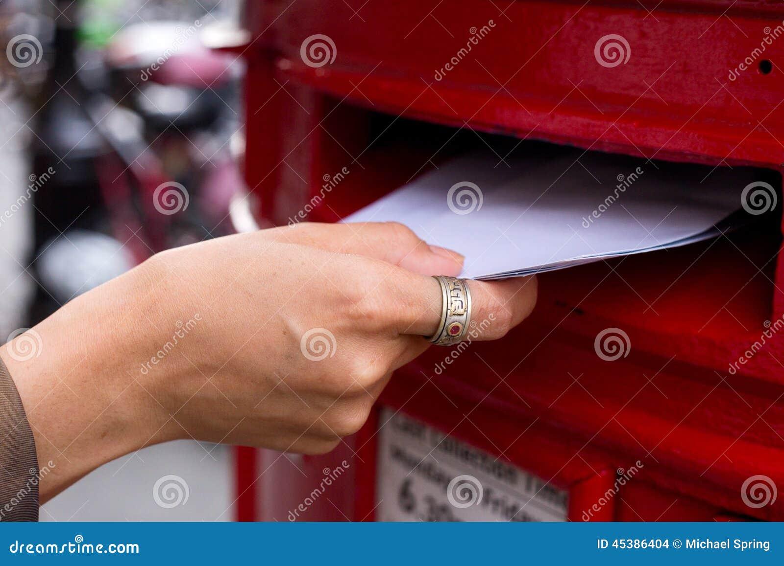 Ταχυδρομώντας επιστολές