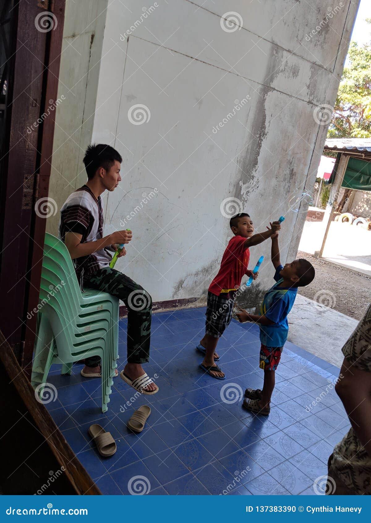 Ταϊλανδικό παιχνίδι παιδιών