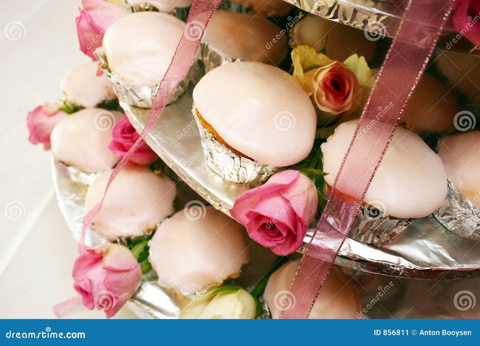 τα κέικ κοιλαίνουν το λευκό