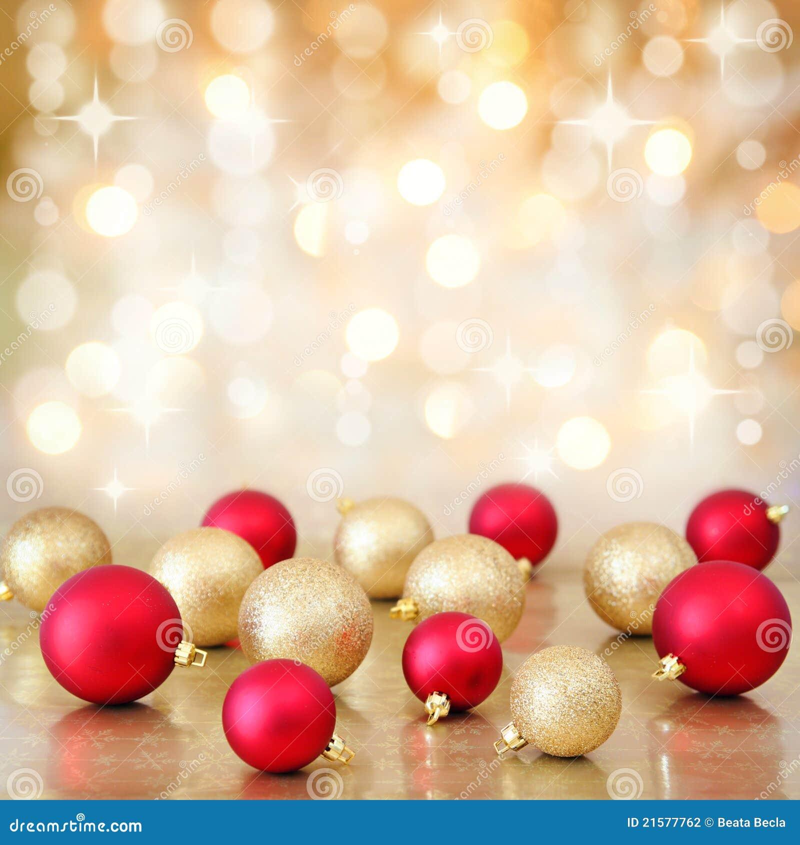 Τα μπιχλιμπίδια Χριστουγέννων επάνω η ανασκόπηση φω των