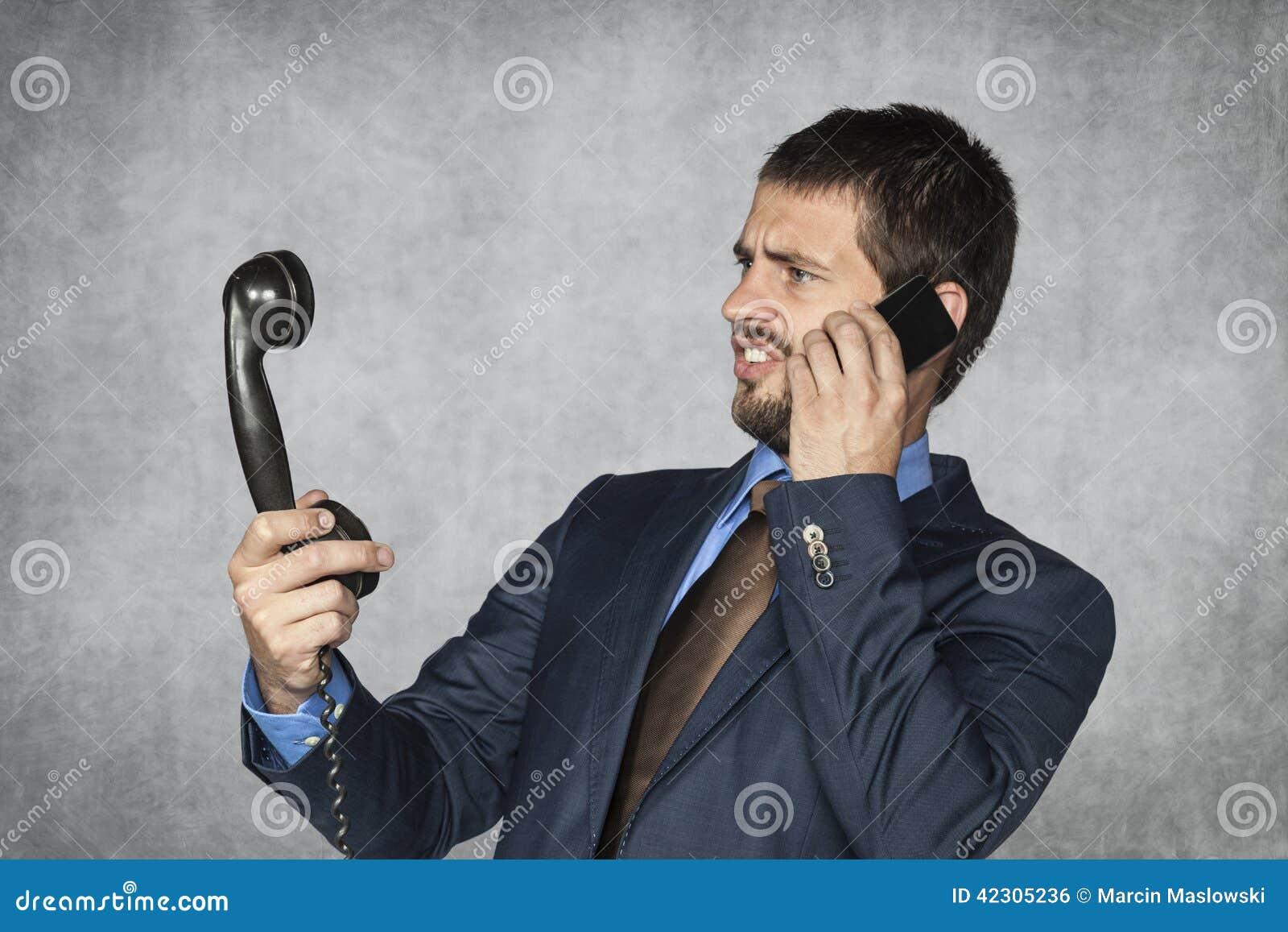 Τα παλαιά τηλέφωνα ήταν πολύ παράξενα