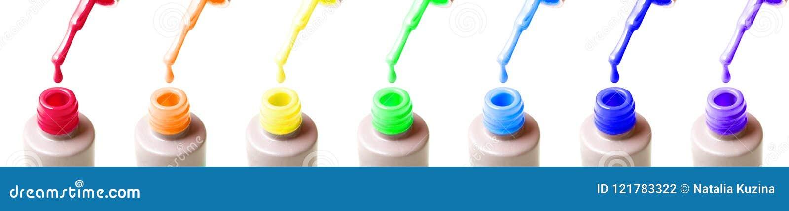 Τα πρόσθετα ευρέα μπουκάλια μανικιούρ ουράνιων τόξων πήζουν τη στιλβωτική ουσία, τις βούρτσες και τις πτώσεις καρφιών των κόκκινω