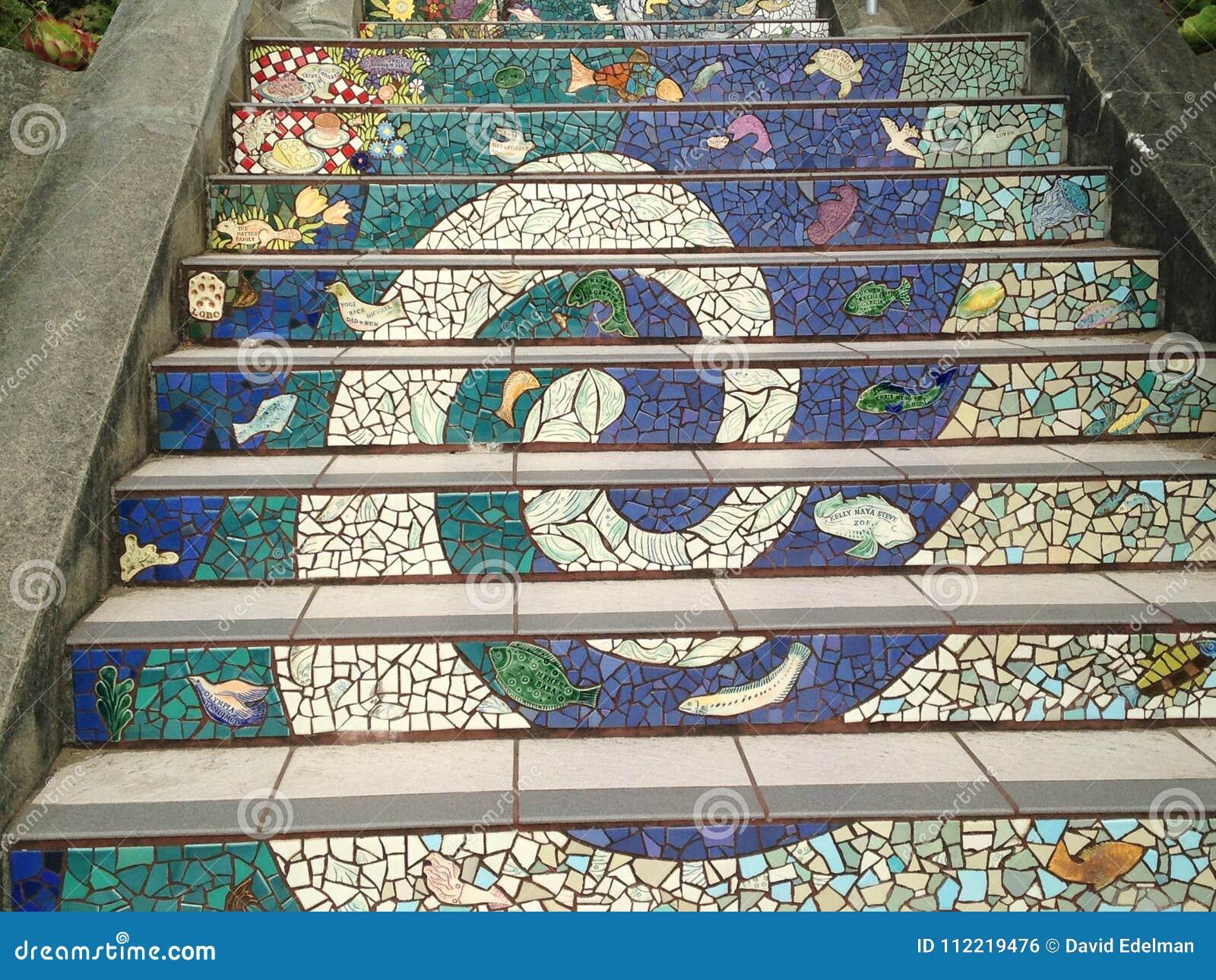 Τα σκαλοπάτια οδών Moraga κεραμώνω-μωσαϊκών, Σαν Φρανσίσκο, 9