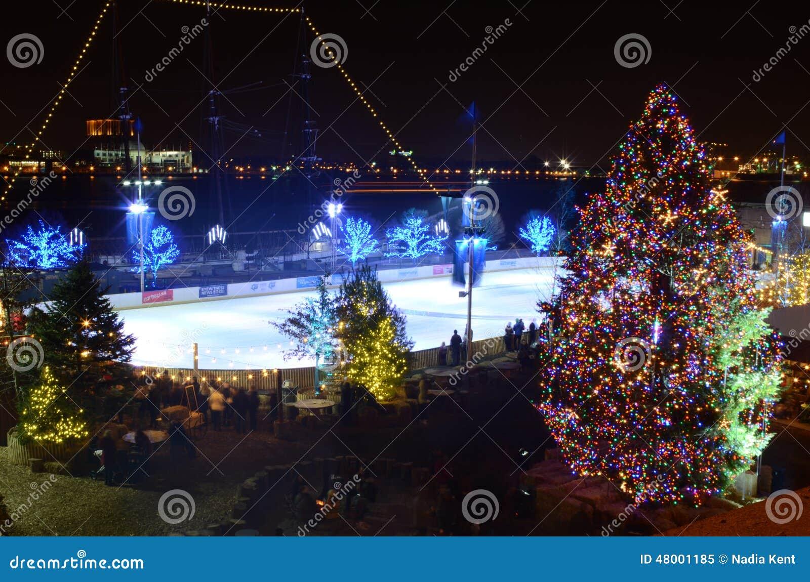 Τα Χριστούγεννα ανάβουν τη θαυμάσια φαντασία