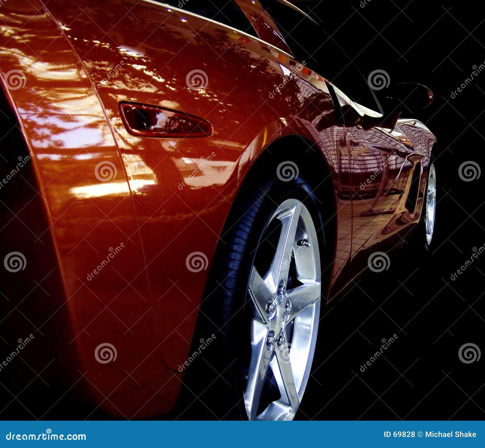 τα refections αυτοκινήτων εμφανίζ&omi