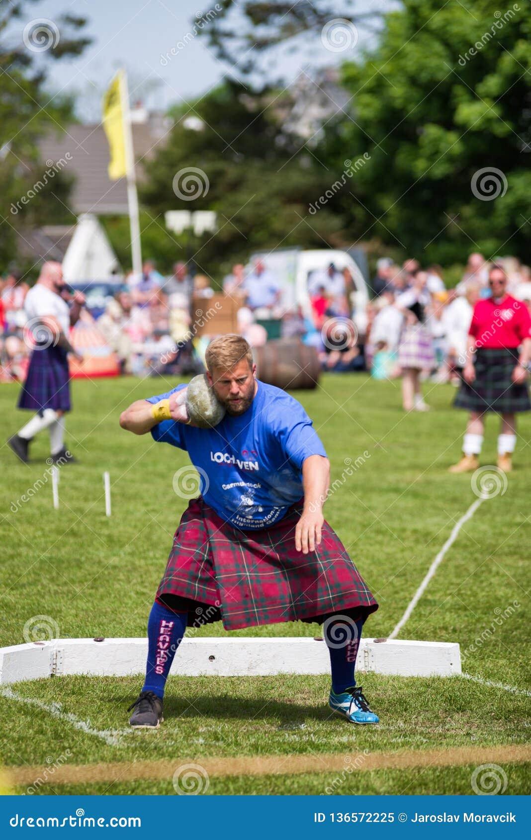 Τεθειμένη ο Stone πειθαρχία στους σκωτσέζικους αγώνες ορεινών περιοχών