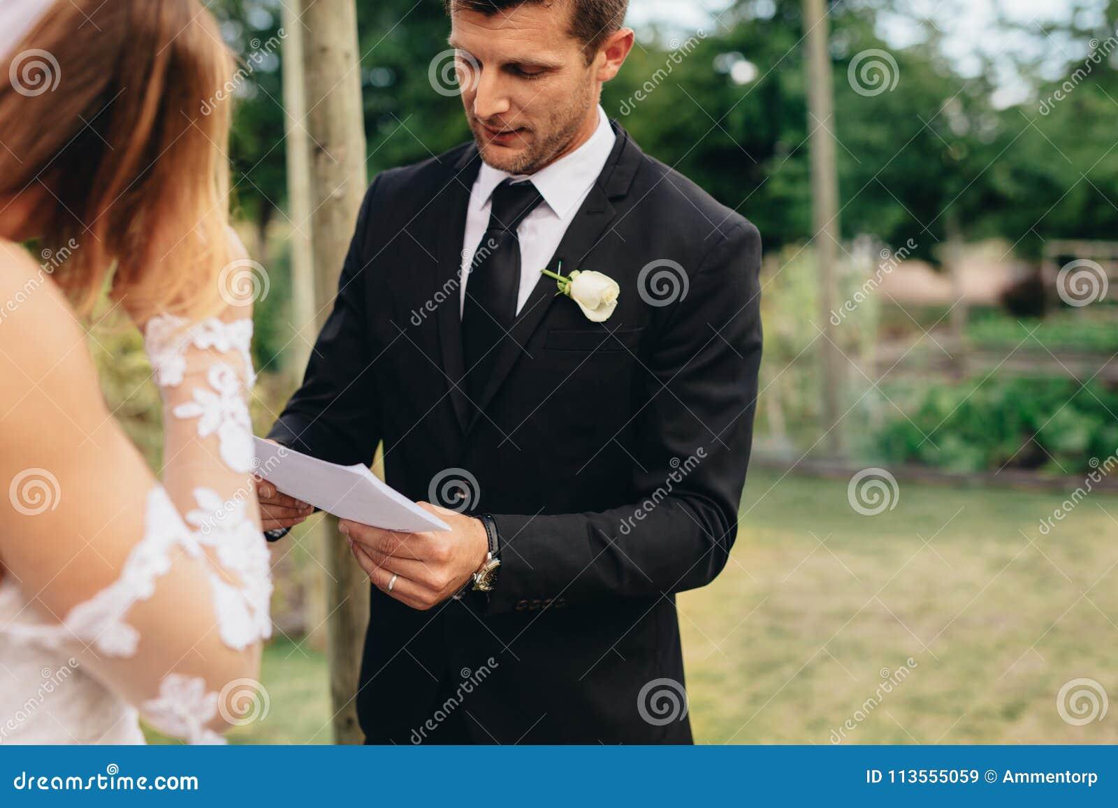 Τελετουργικά γαμήλιας τελετής ενός ζεύγους