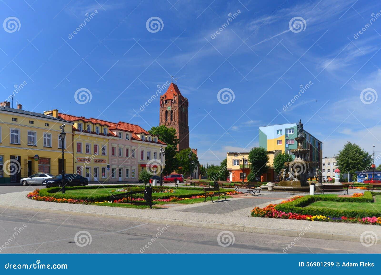 Τετράγωνο αγοράς σε μια μικρή πόλη