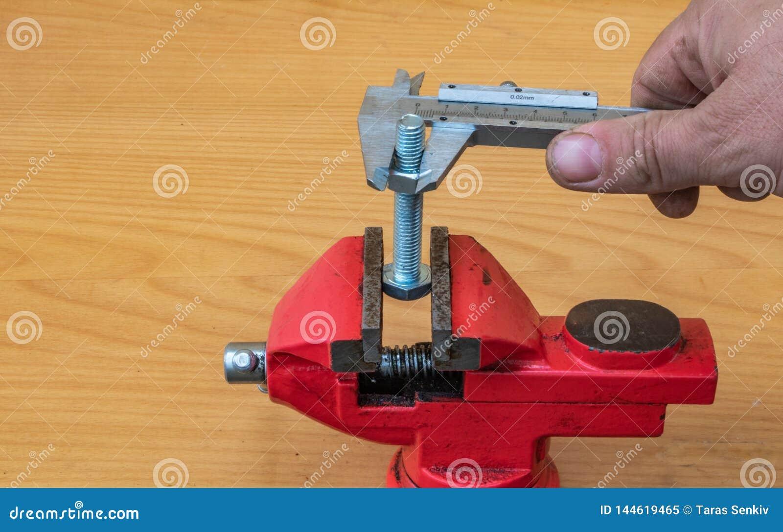 Τεχνολογία μέτρησης διαμέτρων μπουλονιών που χρησιμοποιεί τους παχυμ