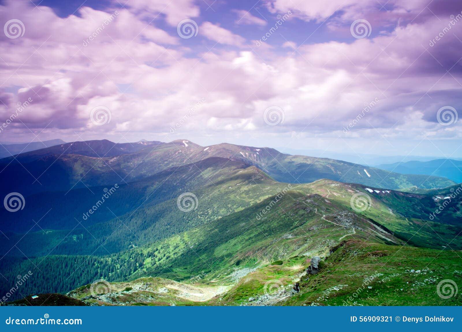 Τοπίο οροπέδιων βουνών