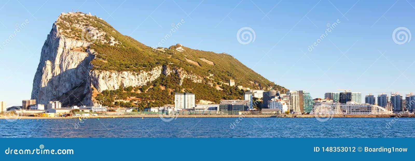 Τοπίο πανοράματος του Γιβραλτάρ η Μεσόγειος βράχου