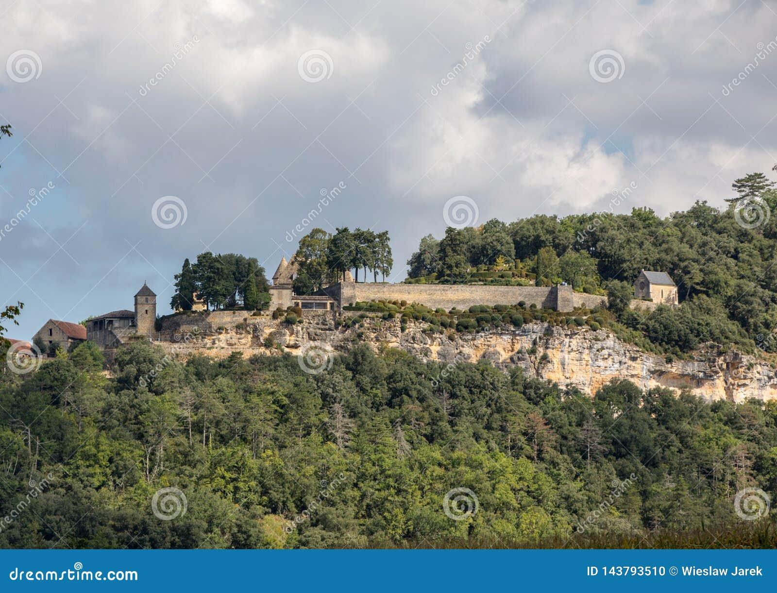 Τοπίο της κοιλάδας ποταμών Dordogne μεταξύ του Λα roque-Gageac και Castelnaud, Aquitaine