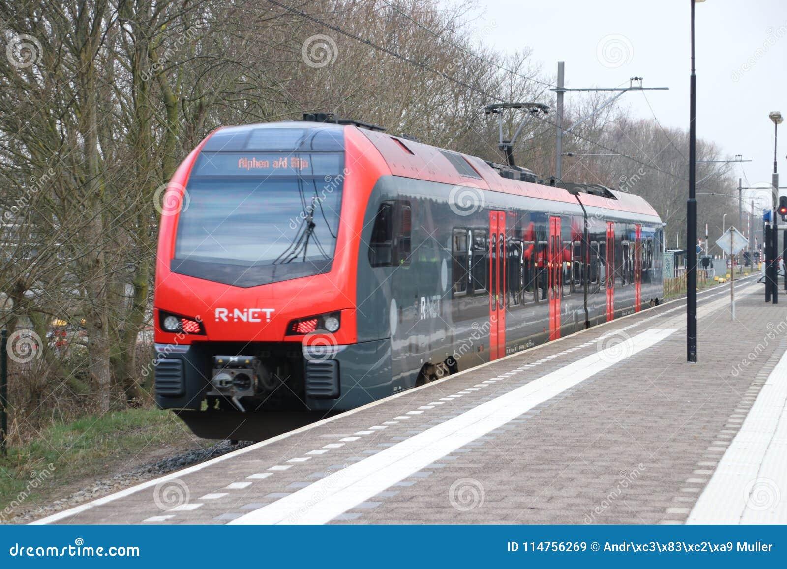 Τοπικό ΦΛΕΡΤ τύπων κατόχων διαρκούς εισιτήριου που τρέχει για το ρ-δίχτυ μεταξύ του γκούντα και του κρησφύγετου Rijn Alphen aan σ