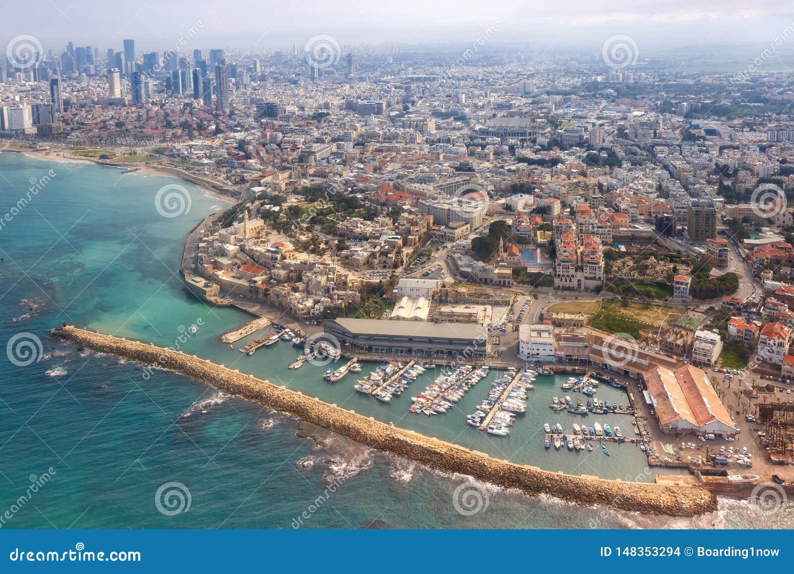 Του Τελ Αβίβ Jaffa παλαιοί πόλεων κωμοπόλεων λιμένων οριζόντων του Ισραήλ ουρανοξύστες θάλασσας άποψης παραλιών εναέριοι