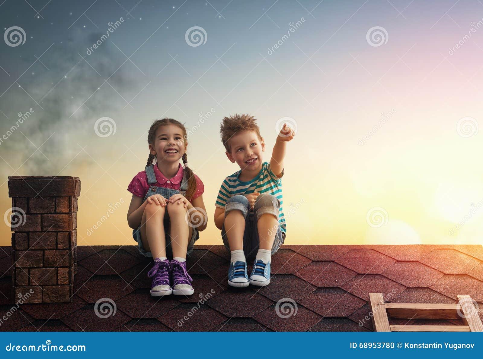 Το αγόρι και το κορίτσι κάνουν μια επιθυμία