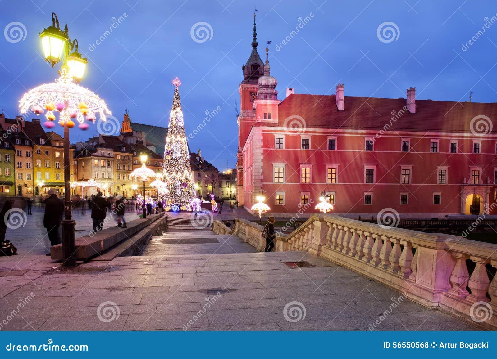 Download Το βασιλικό Castle τή νύχτα στην παλαιά πόλη της Βαρσοβίας Εκδοτική Στοκ Εικόνες - εικόνα από πολωνία, σπίτι: 56550568