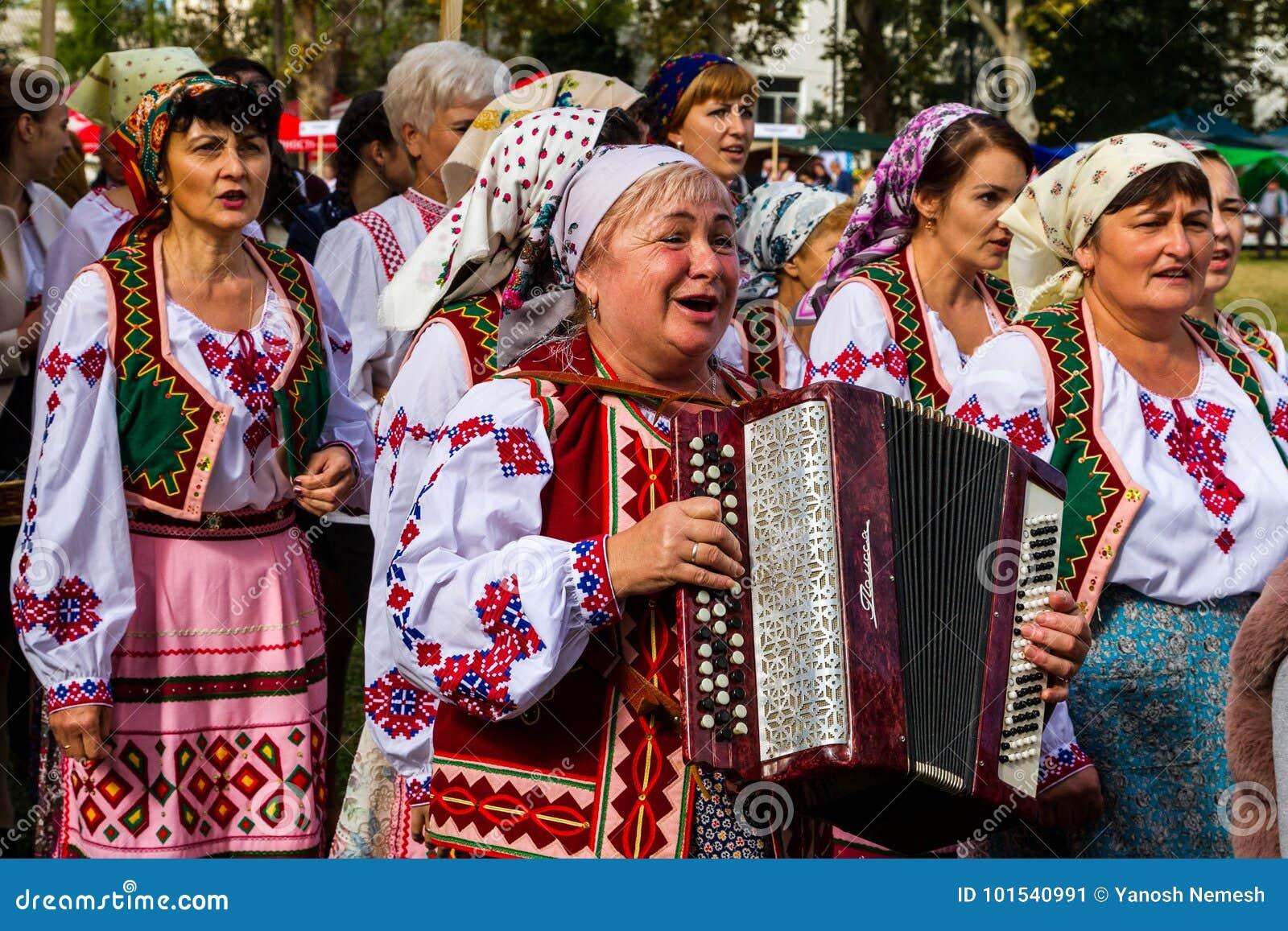 Το δεύτερο εθνικό φεστιβάλ Bobovischenske Grono έγινε σε Zaka