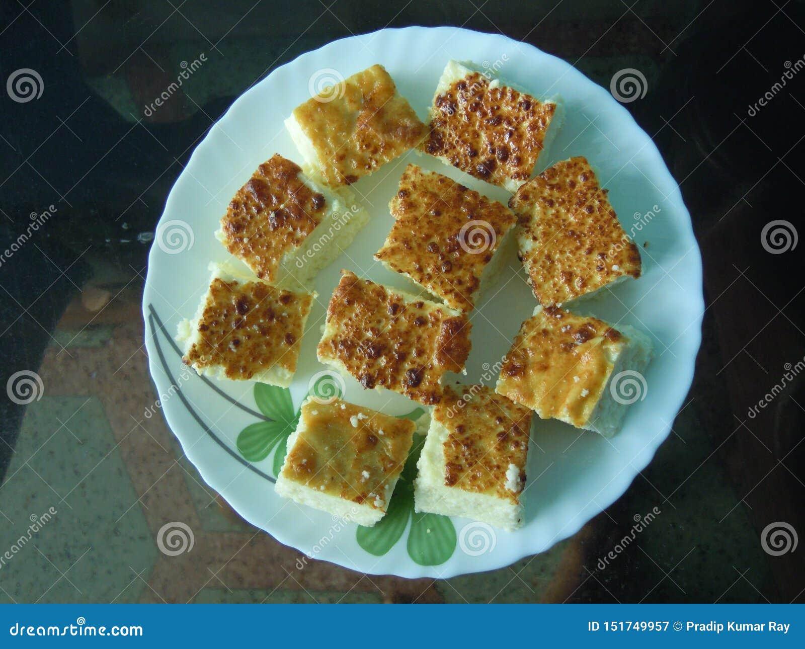 Το εύγευστο ανατολικό ινδικό πιάτο γλυκών