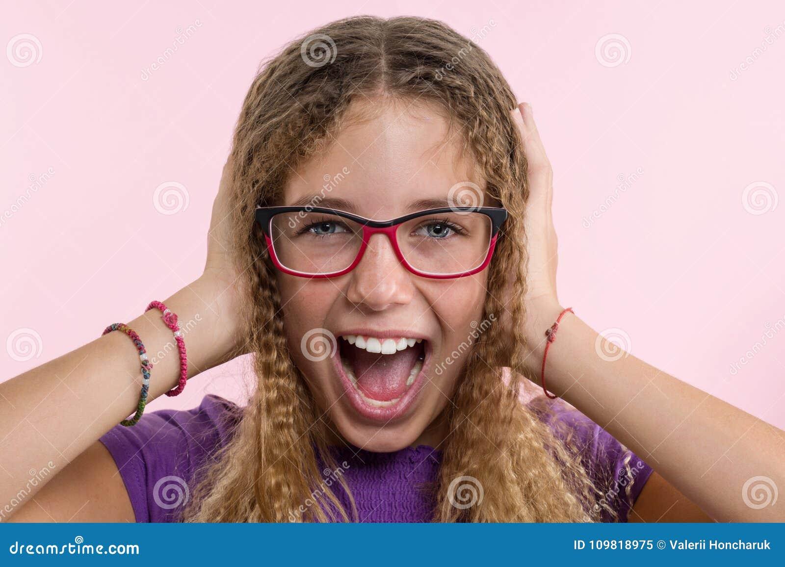 δίνοντας τα κορίτσια κεφάλι δωρεάν μουνί πορνό κόμβο