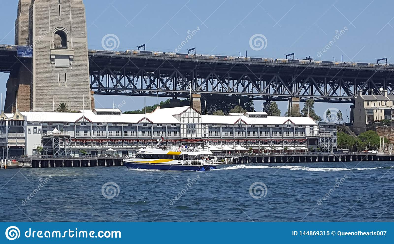 Το λιμάνι του Σίδνεϊ, αποβάθρα 1, μια αναπτυγμένος πλήμνη εστιατορίων στις ακτές του λιμανιού του Σίδνεϊ, Σίδνεϊ, NSW, Αυστραλία
