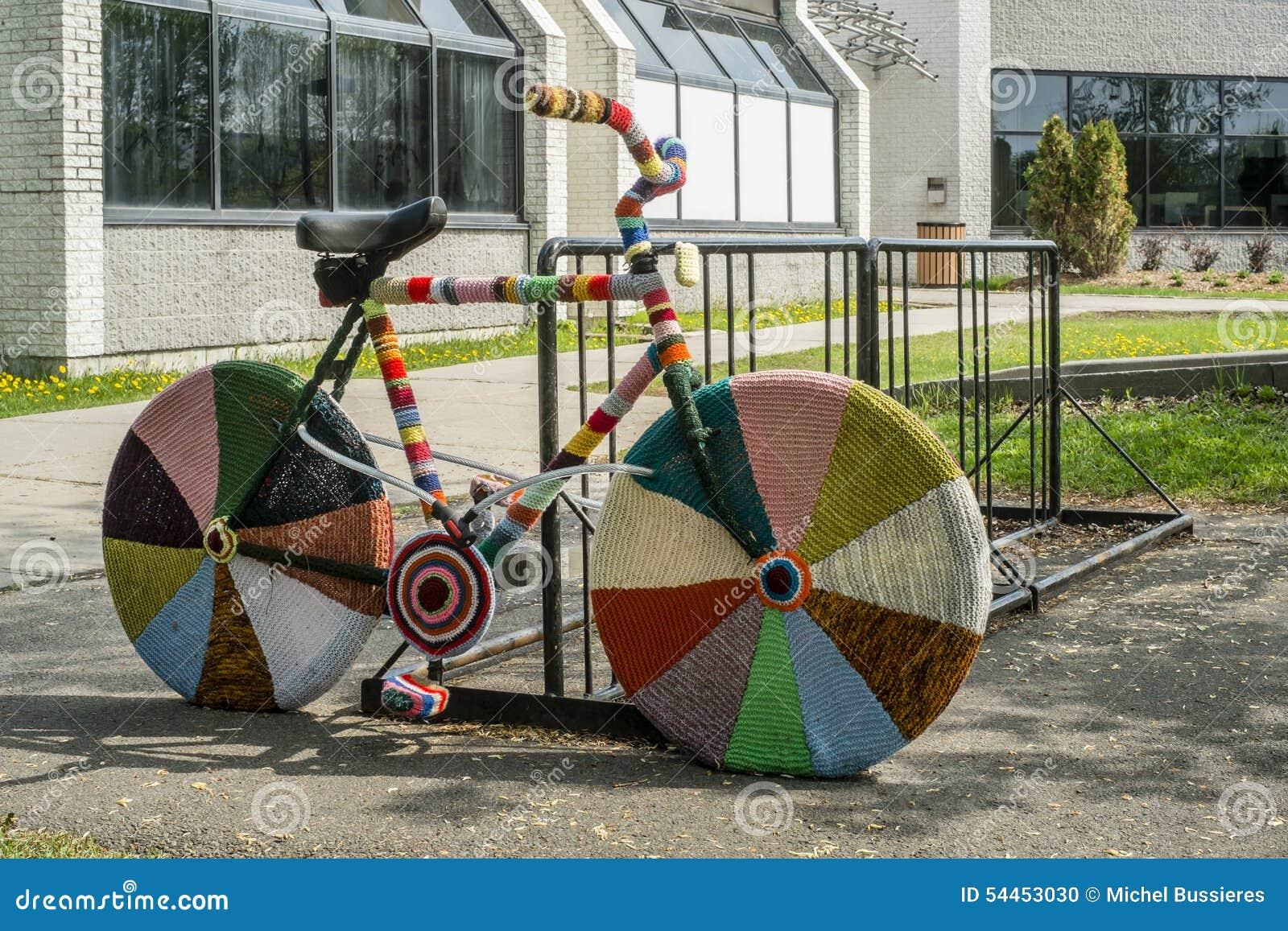 Το μαλλί πλεκτό τοποθετεί το ποδήλατο σε σάκκο