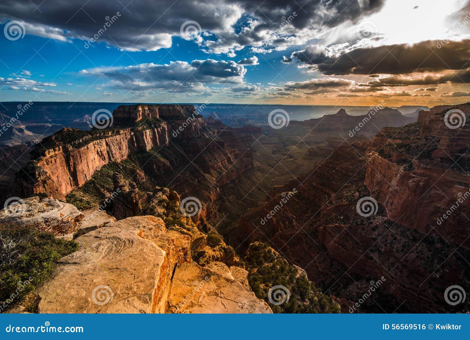 Download Το μεγάλο ακρωτήριο βόρειων πλαισίων φαραγγιών βασιλικό αγνοεί στο ηλιοβασίλεμα Wotans Thro Στοκ Εικόνες - εικόνα από βουνό, φαράγγι: 56569516