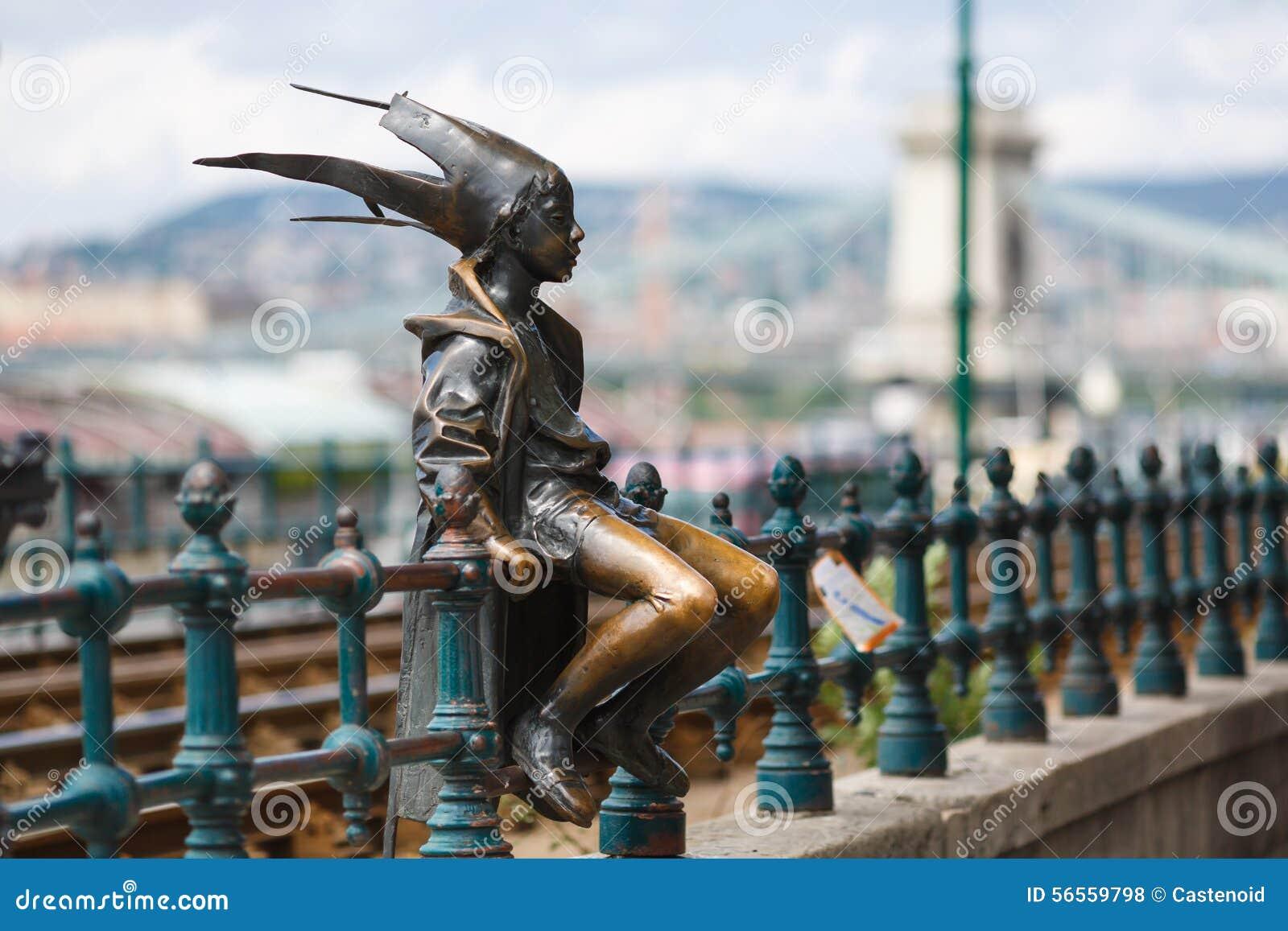 Download Το μικρό Jester πριγκηπισσών άγαλμα Στοκ Εικόνες - εικόνα από γλυπτό, alon: 56559798