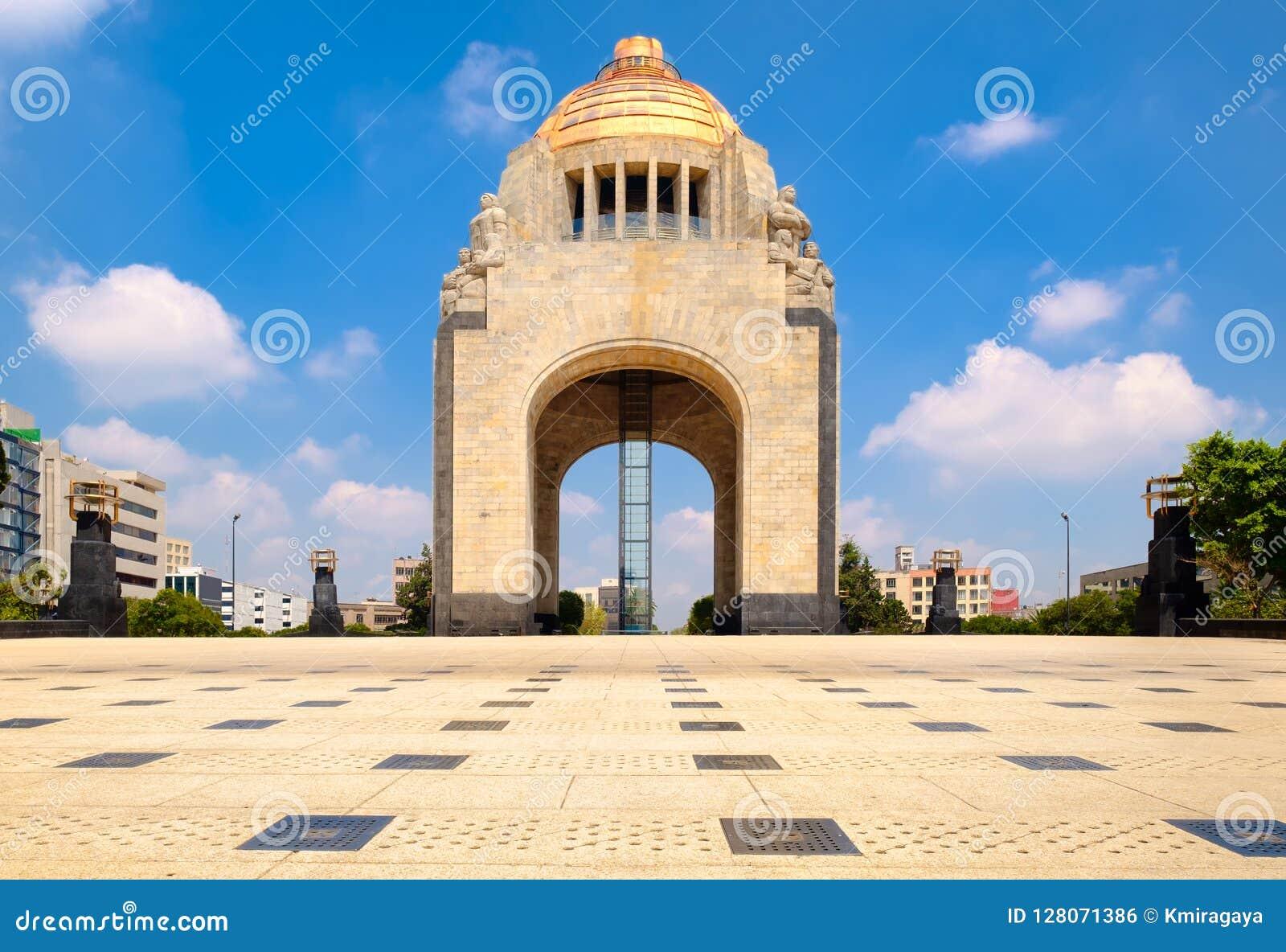 Το μνημείο στην επανάσταση στην Πόλη του Μεξικού