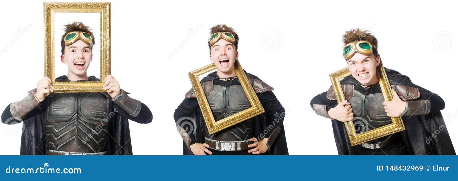 Το νέο αστείο άτομο στο κοστούμι τεθωρακισμένων