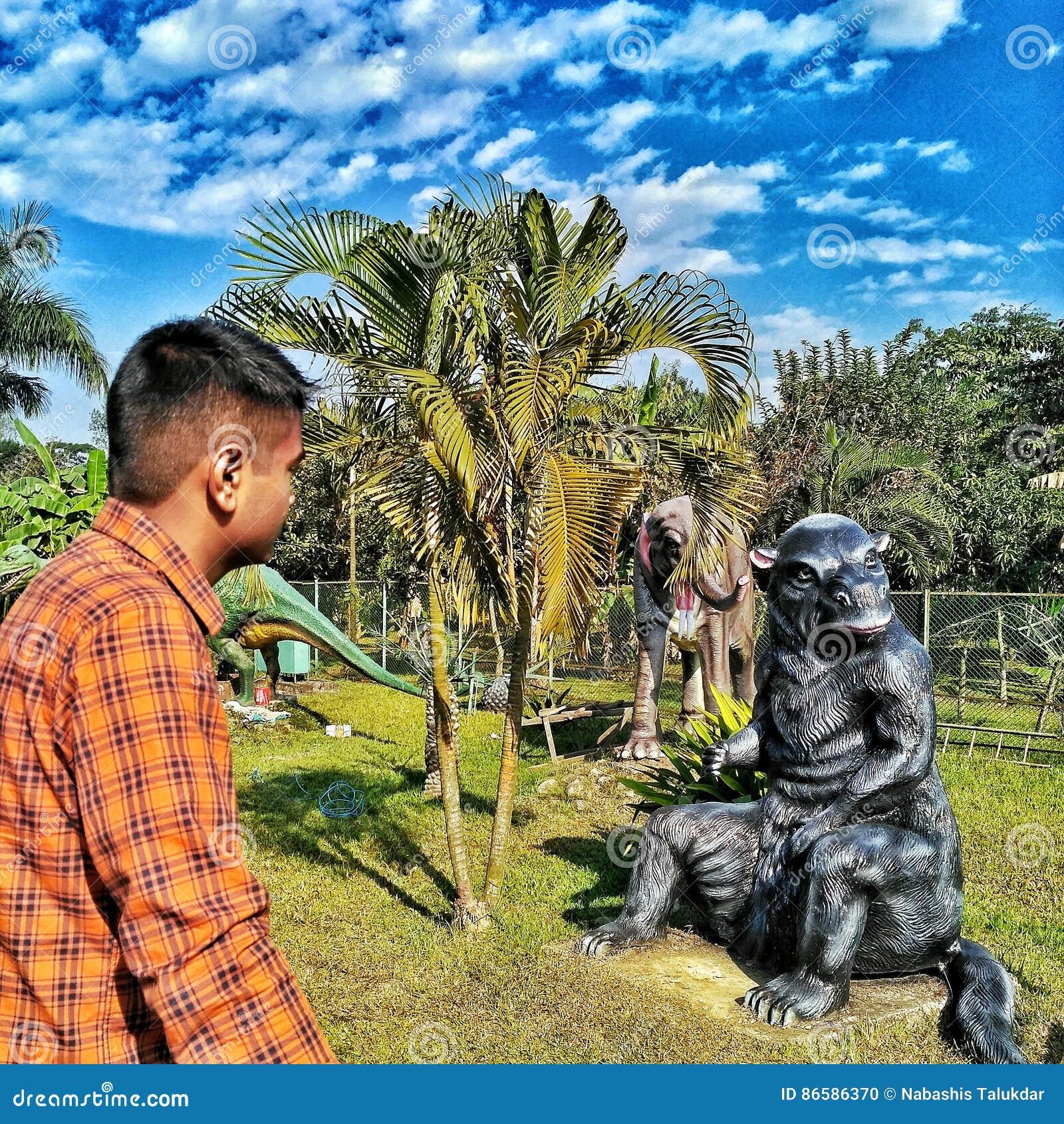 Το πάρκο δεινοσαύρων