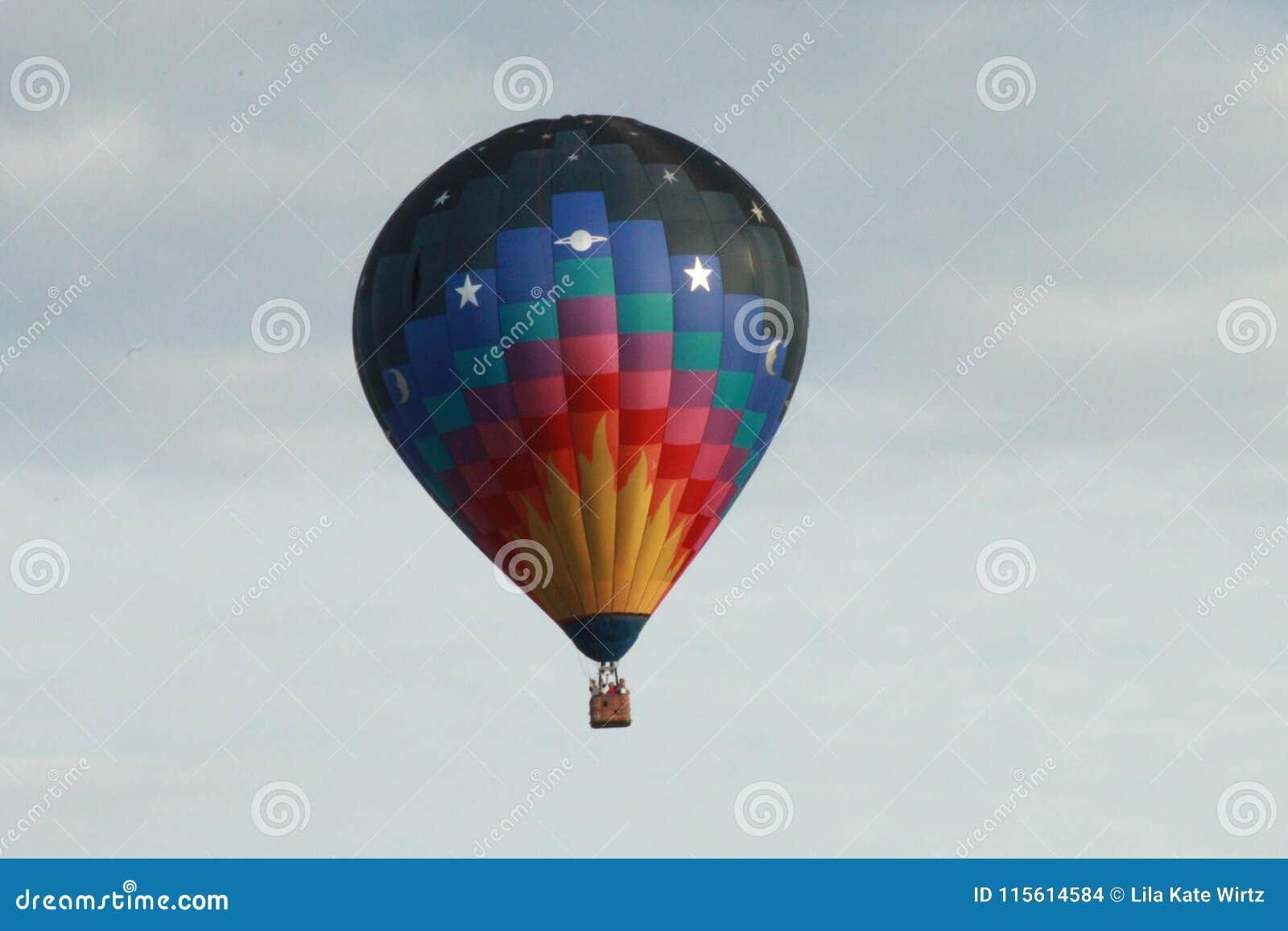 το πέταγμα τσίρκων μπαλονιών αέρα bealton καυτό εμφανίζει va