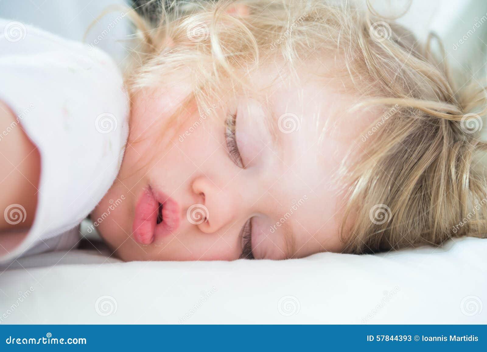 Το παιδί κοιμάται