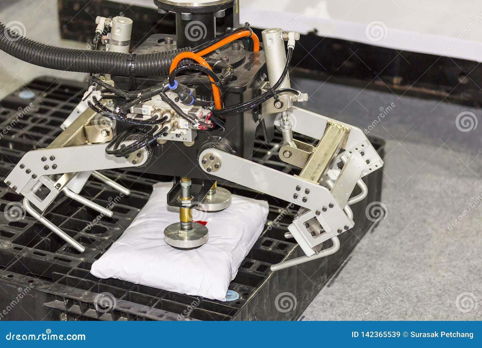 Το πιάσιμο ρομπότ υψηλής τεχνολογίας και ακρίβειας με το αυτόματο κενό για το τσιμέντο σύλληψης τοποθετεί σε σάκκο στην παλέτα στ