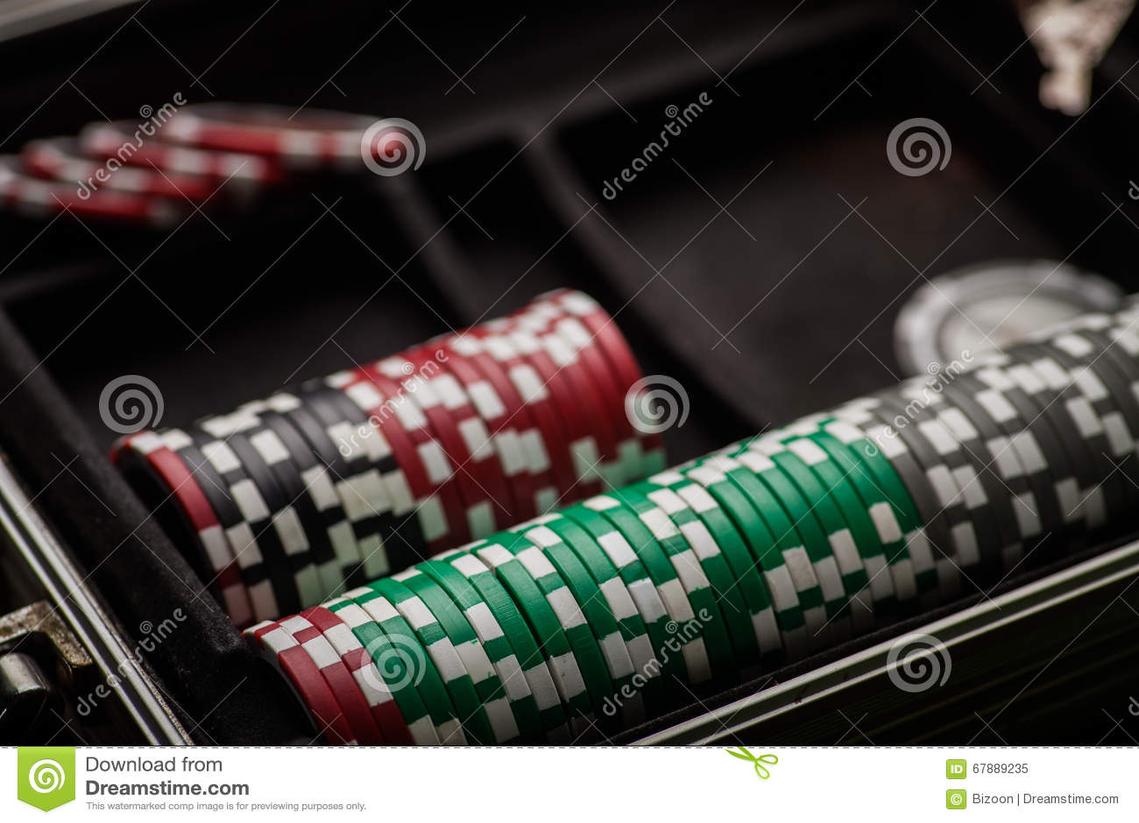 Το πόκερ πελεκά τη λεπτομέρεια