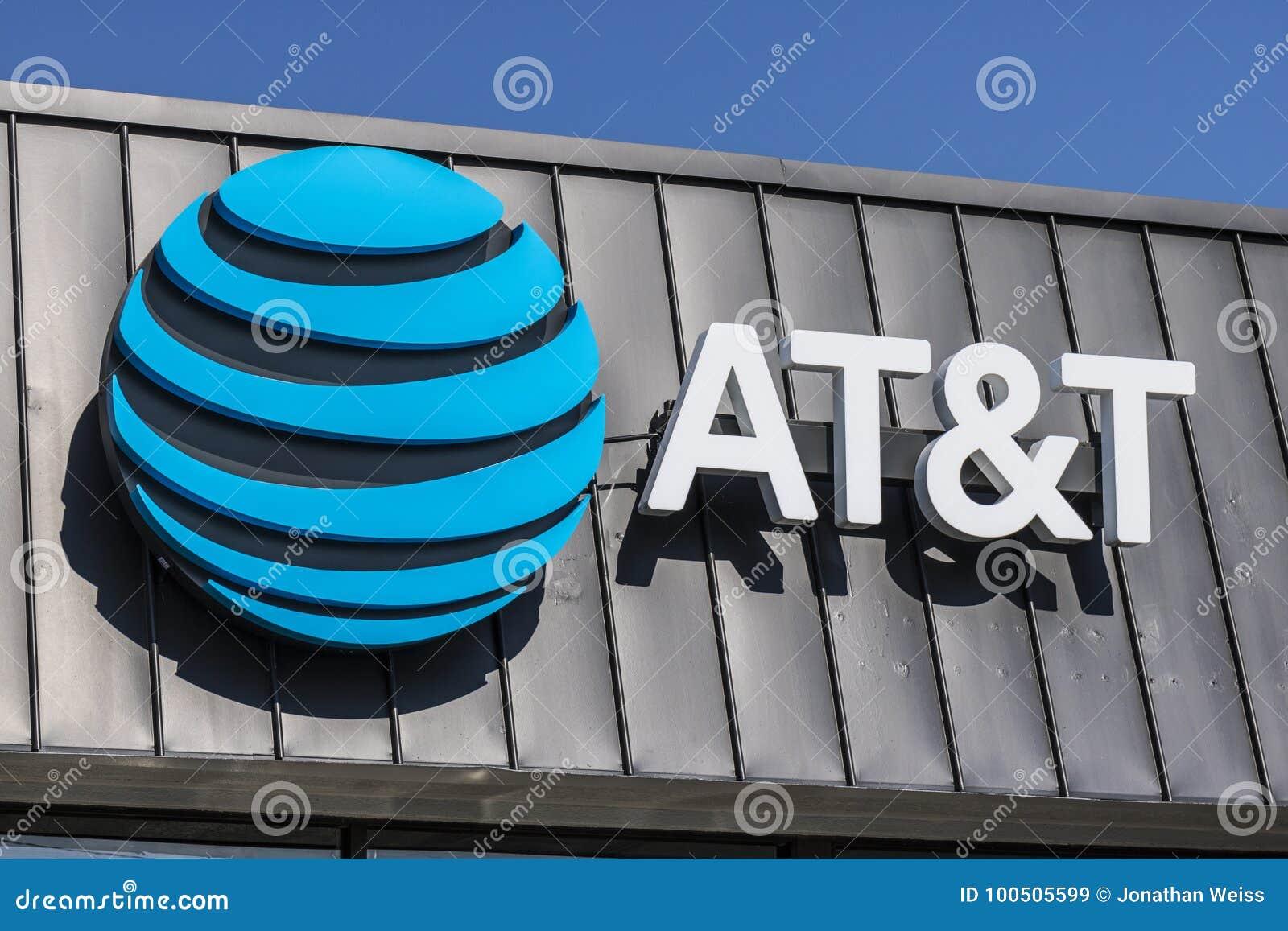 Το Σεπτέμβριο του 2017 του Λαφαγέτ - Circa: Ασύρματος μαγαζί λιανικής πώλησης κινητικότητας της AT&T Η AT&T προσφέρει τώρα IPTV,