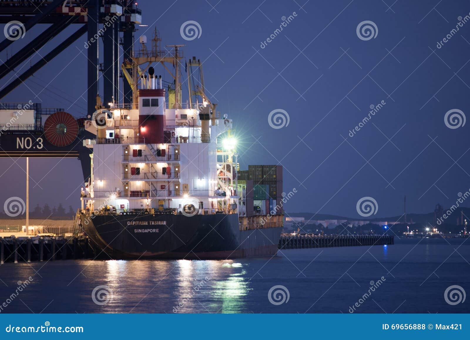 Το σκάφος εμπορευματοκιβωτίων φορτώνει το φορτίο στη βοτανική λιμένων, Σίδνεϊ