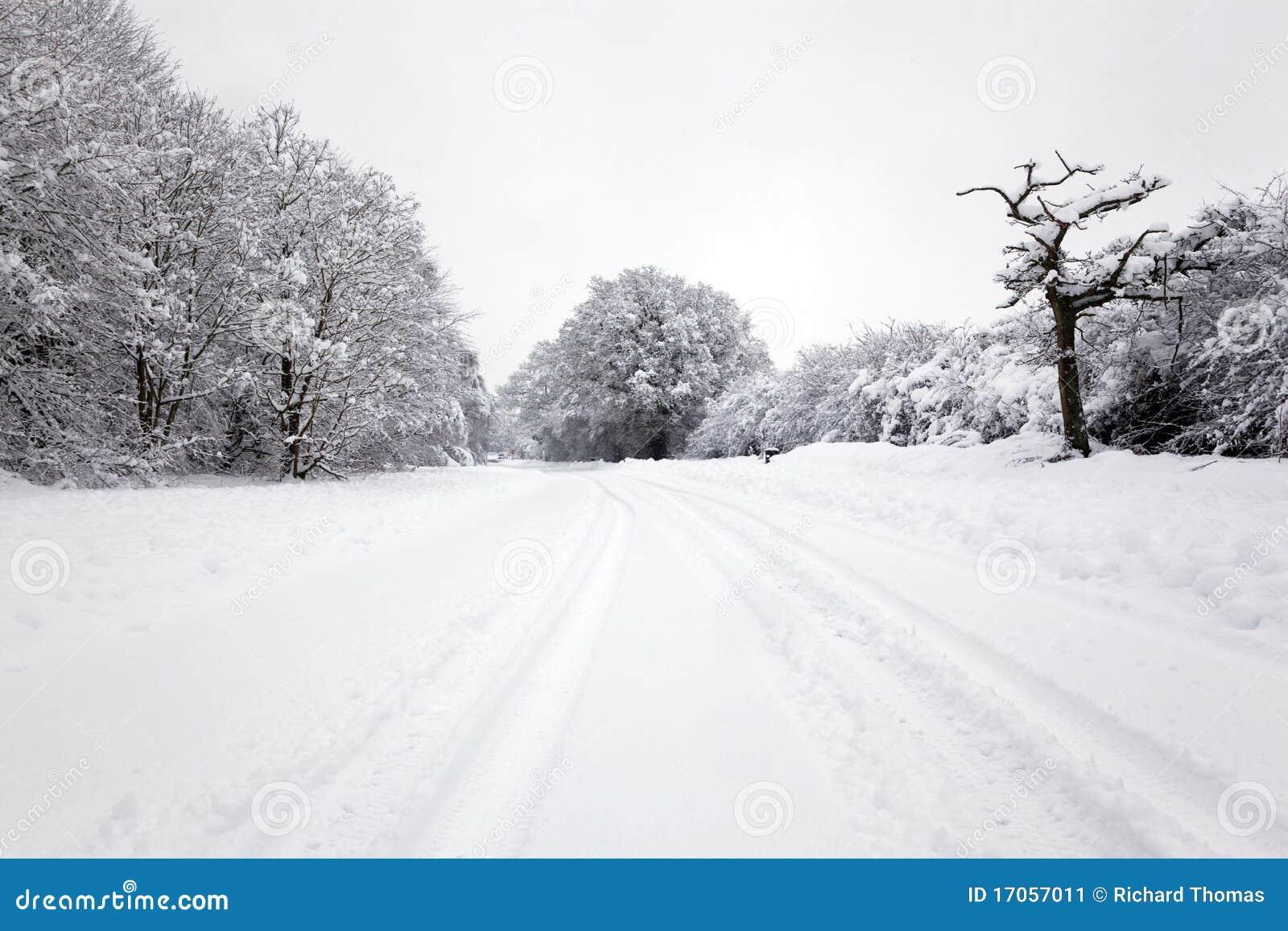 το χιόνι ακολουθεί το ε&