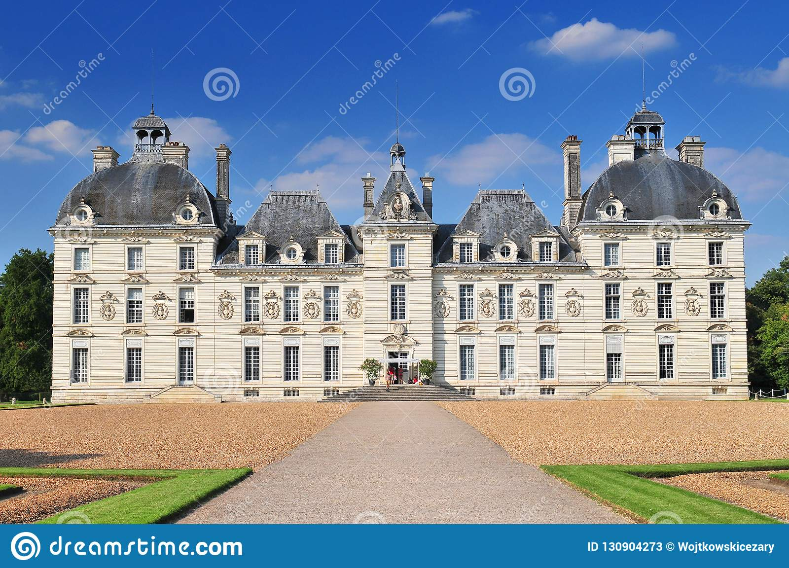 Το Cheverny Castle ενσωμάτωσε το δέκατο έβδομο αιώνα στο ύφος του Louis ΧΙΙΙ σε Cheverny Γαλλία