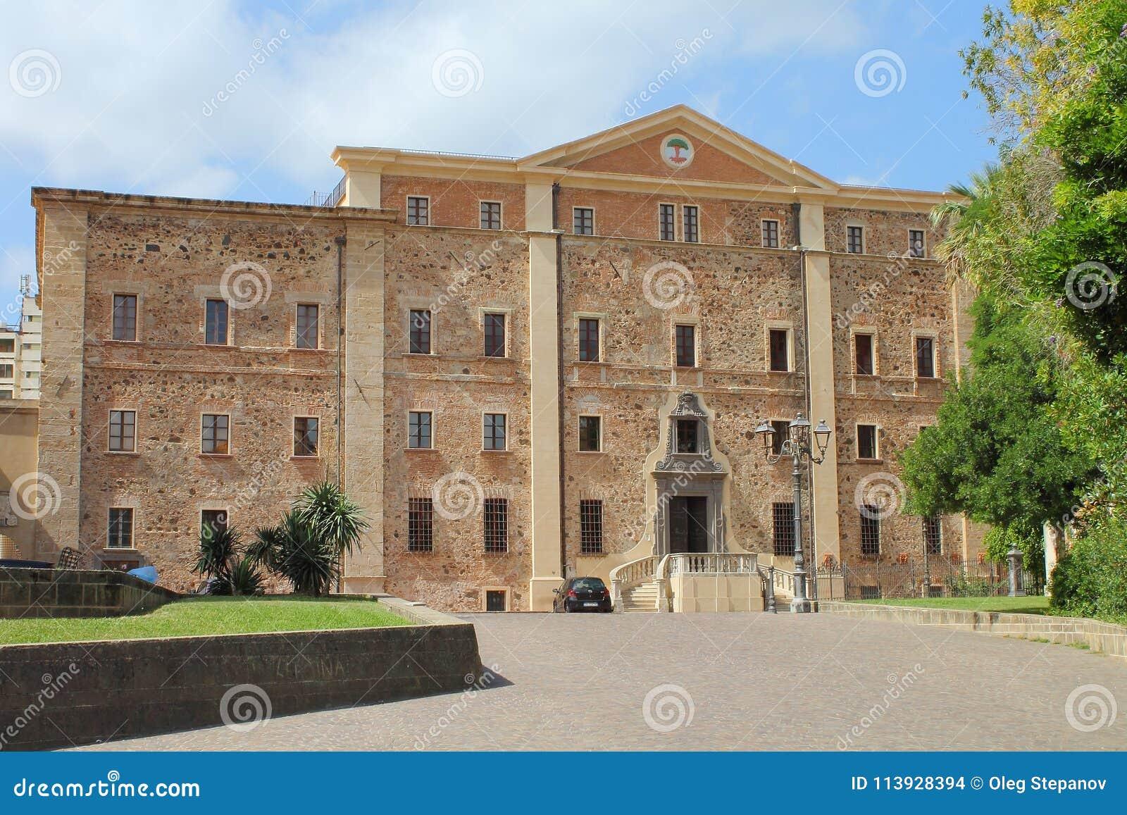 Το Diocesan μουσείο Oristano στη Σαρδηνία Ιταλία