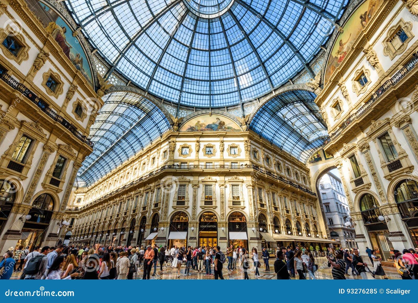 Το Galleria Vittorio Emanuele ΙΙ στο Μιλάνο, Ιταλία